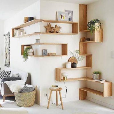 دیزاین دکوراسیون گوشه اتاق نشیمن با قفسه